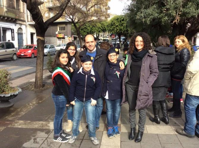 Mauro Mangano e Valentina Campisano con i baby consiglieri e baby sindaco