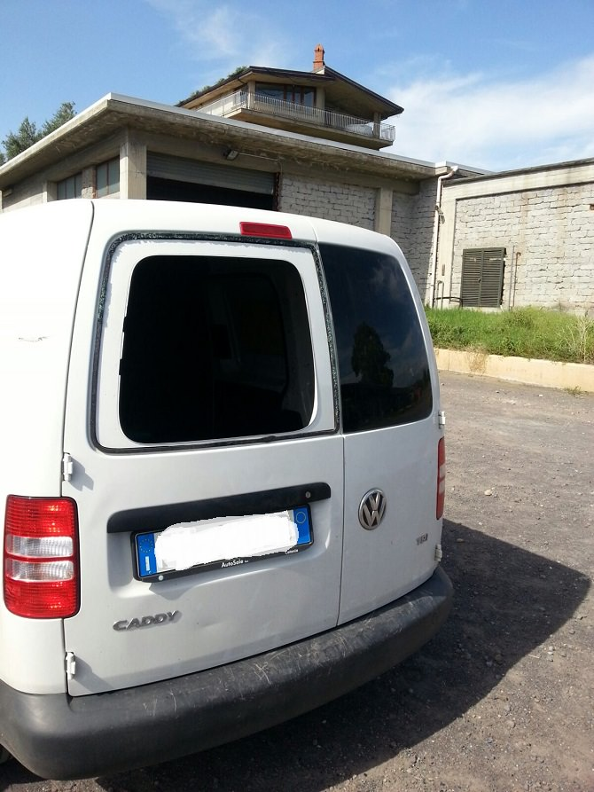 Danni furgone Lara srl (1)