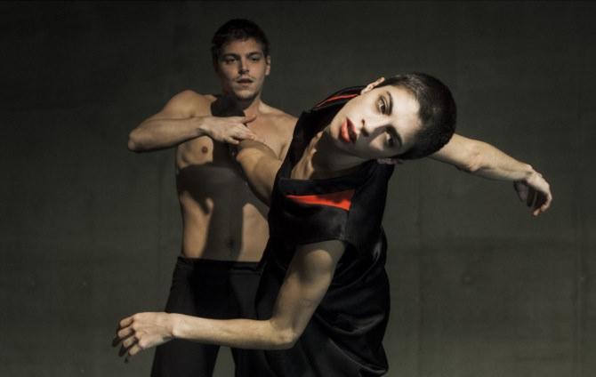 CHRONOLOGY ~ JOERI DUBBE, dansers Joeri Dubbe & Carolina Mancuso
