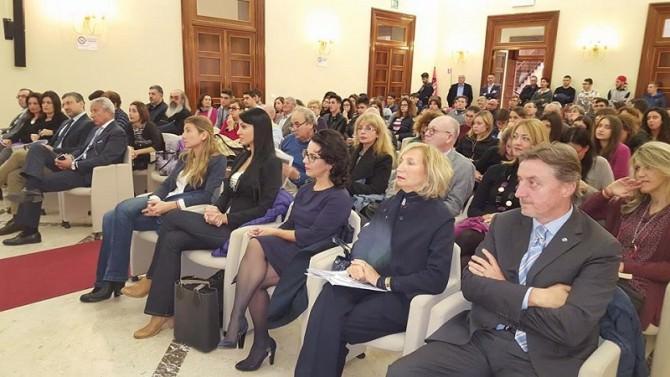 Contro la violenza sulle donne: Cgil, Cisl e Uil
