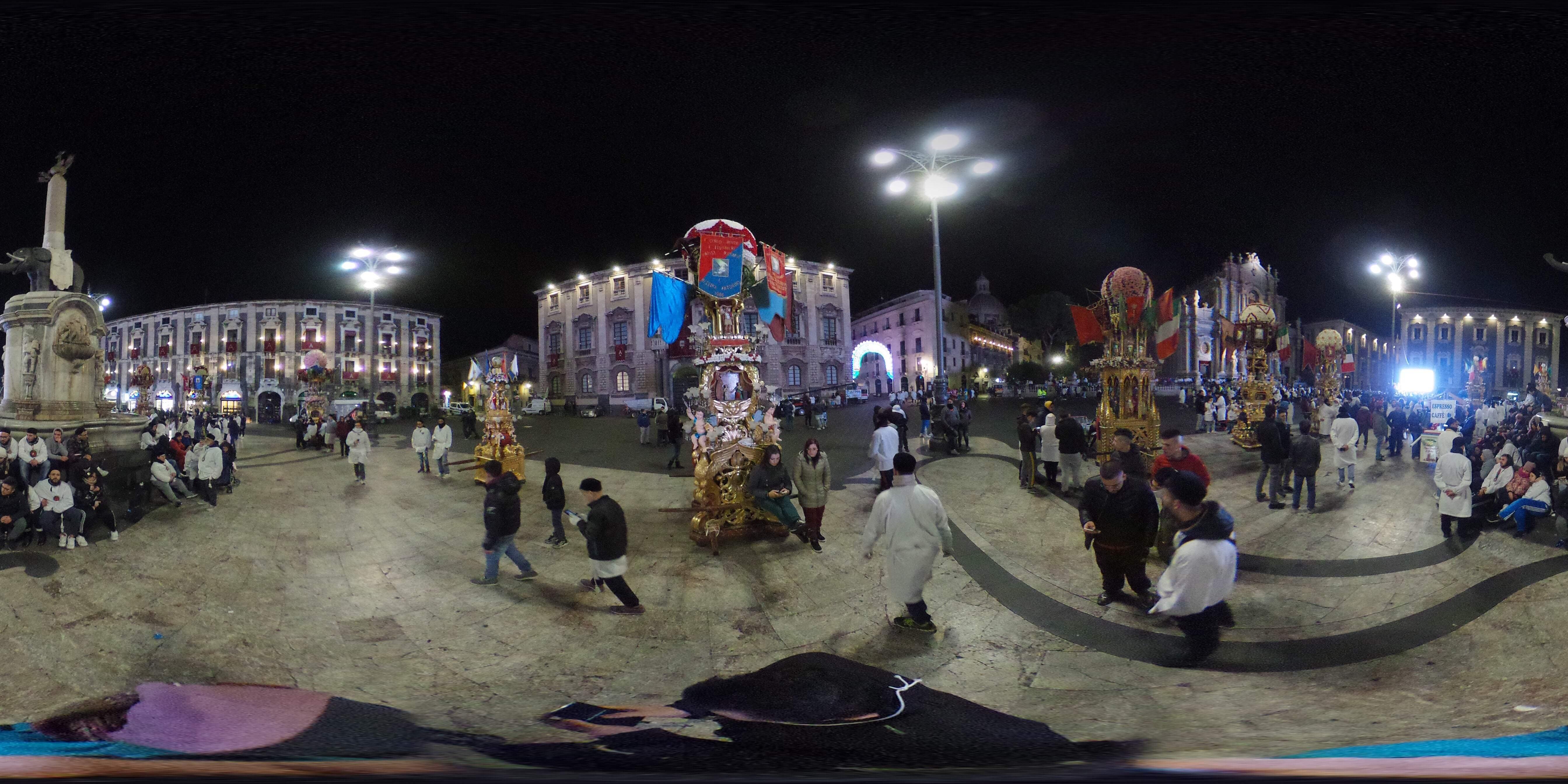 Candelore davanti Duomo 360°