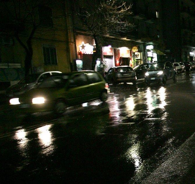viale rapisardi al buio e senza adeguata pubblica illuminazione (2)