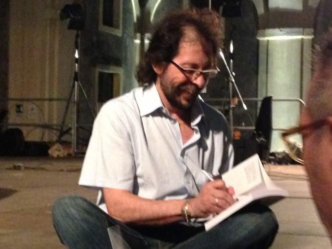 Santino Mirabella presenta il suo libro al cortile Platamone di Catania