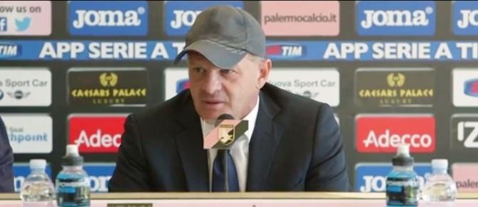 © foto Newsicilia.it - L'allenatore del Palermo Giuseppe Iachini in sala stampa,