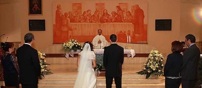 Matrimonio Religioso Biblia : Gela muore per un malore in viaggio di nozze newsicilia
