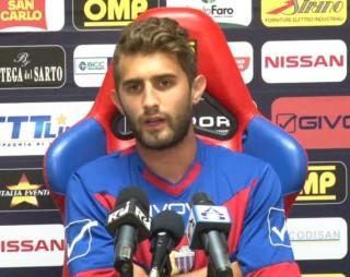 © foto Newsicilia.it - Il terzino destro del Catania Gino Peruzzi in sala stampa.