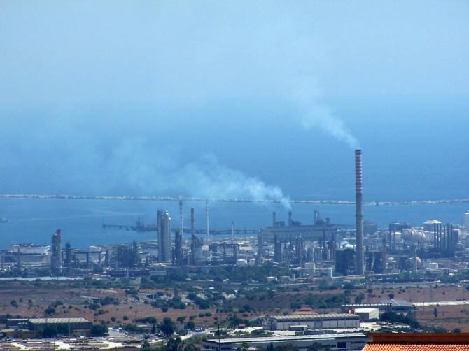 Inquinamento, sequestrati impianti del petrolchimico di Siracusa