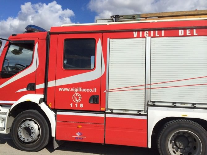 autobotte vigili del fuoco