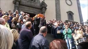 belpasso-folla-commossa-ai-funerali-di-veronica-1024x576