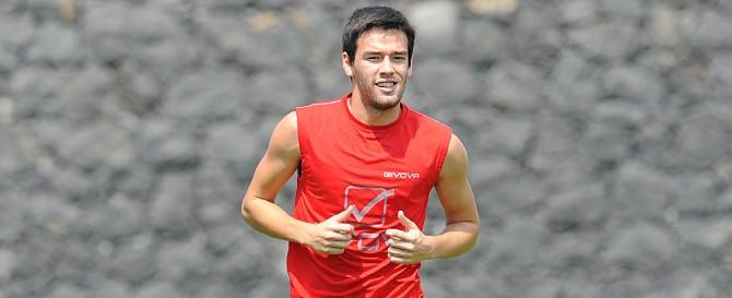 Il centrocampista argentino del Catania Gonzalo Escalante.