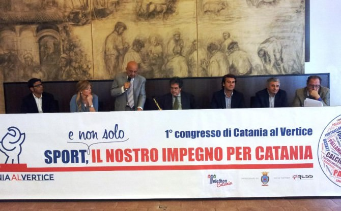 Al tavolo, da sinistra: Casabianca, Scialfa, Russo, Bianco, Parisi, Galati, Gibilaro