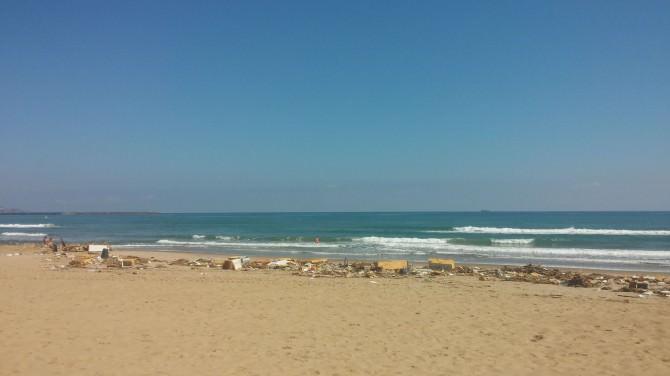 la playa rifiuti 1