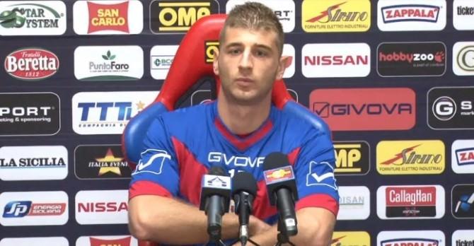 © Newsicilia.it - Gaston Sauro, difensore del Catania, in sala stampa.