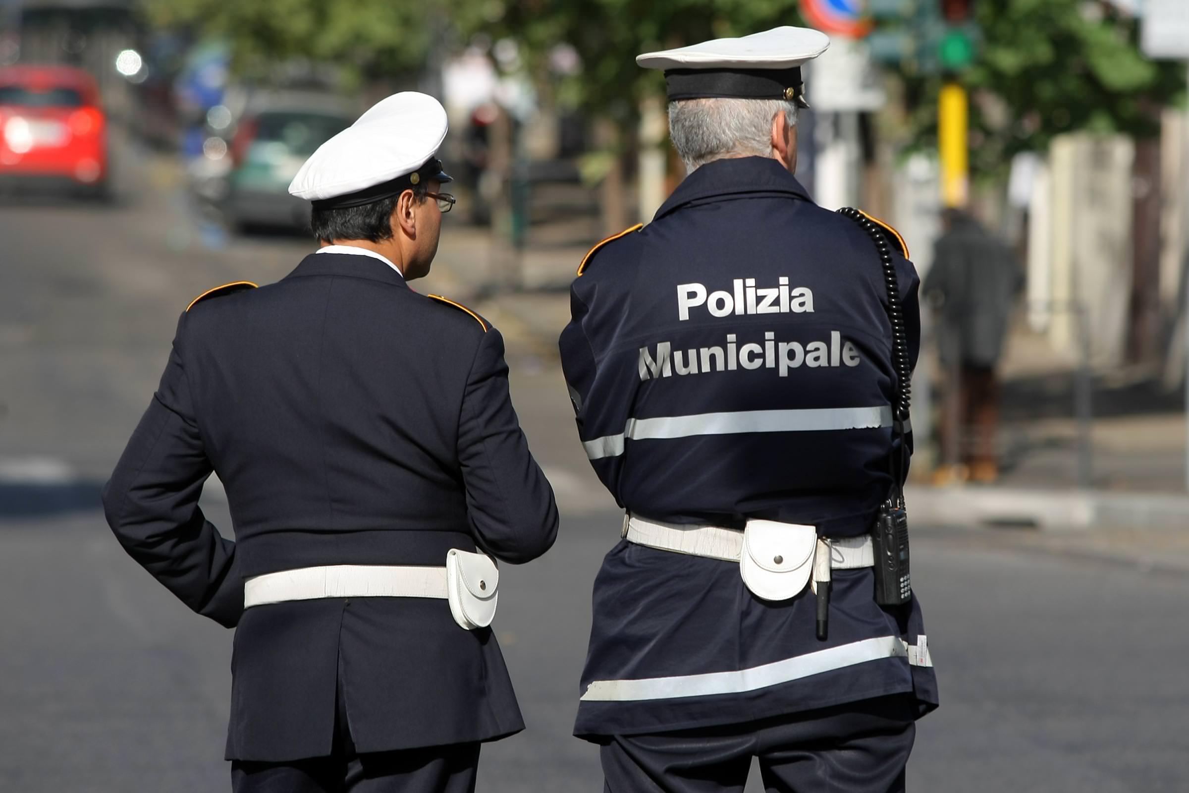Catania, vigile preso a sprangate alla fiera$