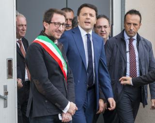 Carlo Caputo Matteo Renzi Belpasso 291114 1