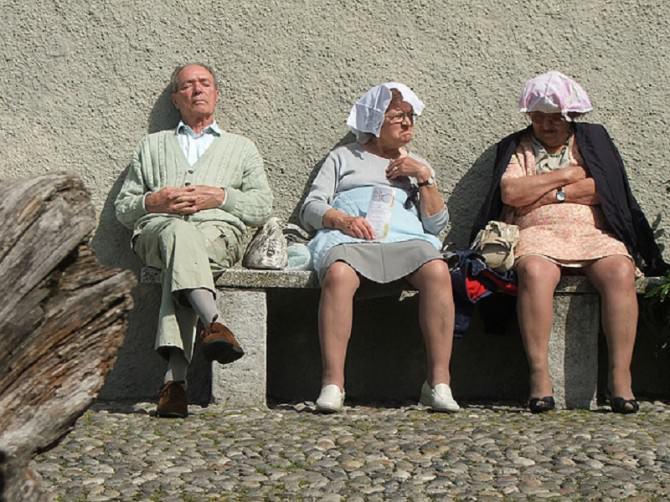 vecchi trombano donne messina