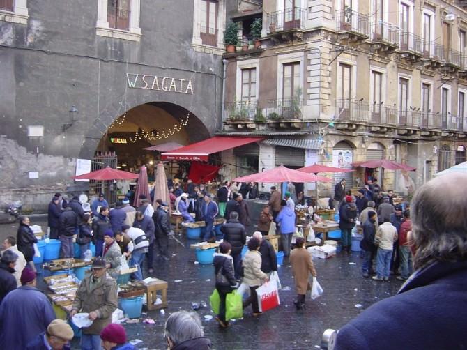 Catania_-_La_pescheria_2_-_Foto_di_Giovanni_Dall'Orto