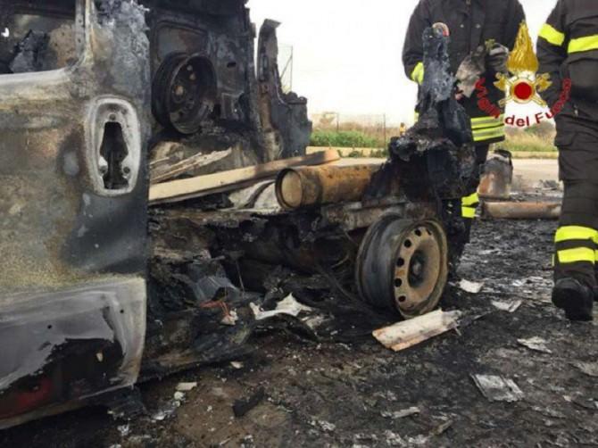 Incendio-furgone