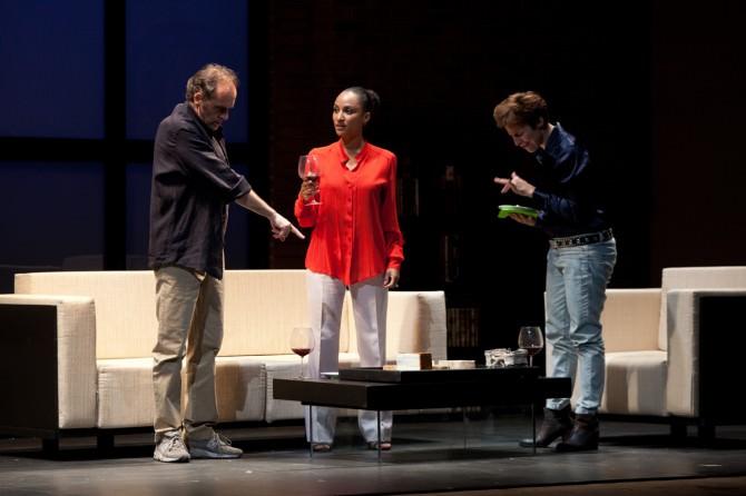 Luca Lazzareschi, Esther Elisha e Michela Cescon in GOOD PEOPLEPh Salvatore Pastore Ag Cubo