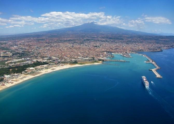 Sicilia_-_Catania_dall'alto
