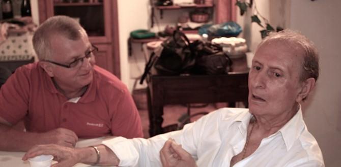 Nella foto di Claudia Scavone: Nino Vaccarella, a destra, con l'autore dell'articolo Rosario Lo Cicero.