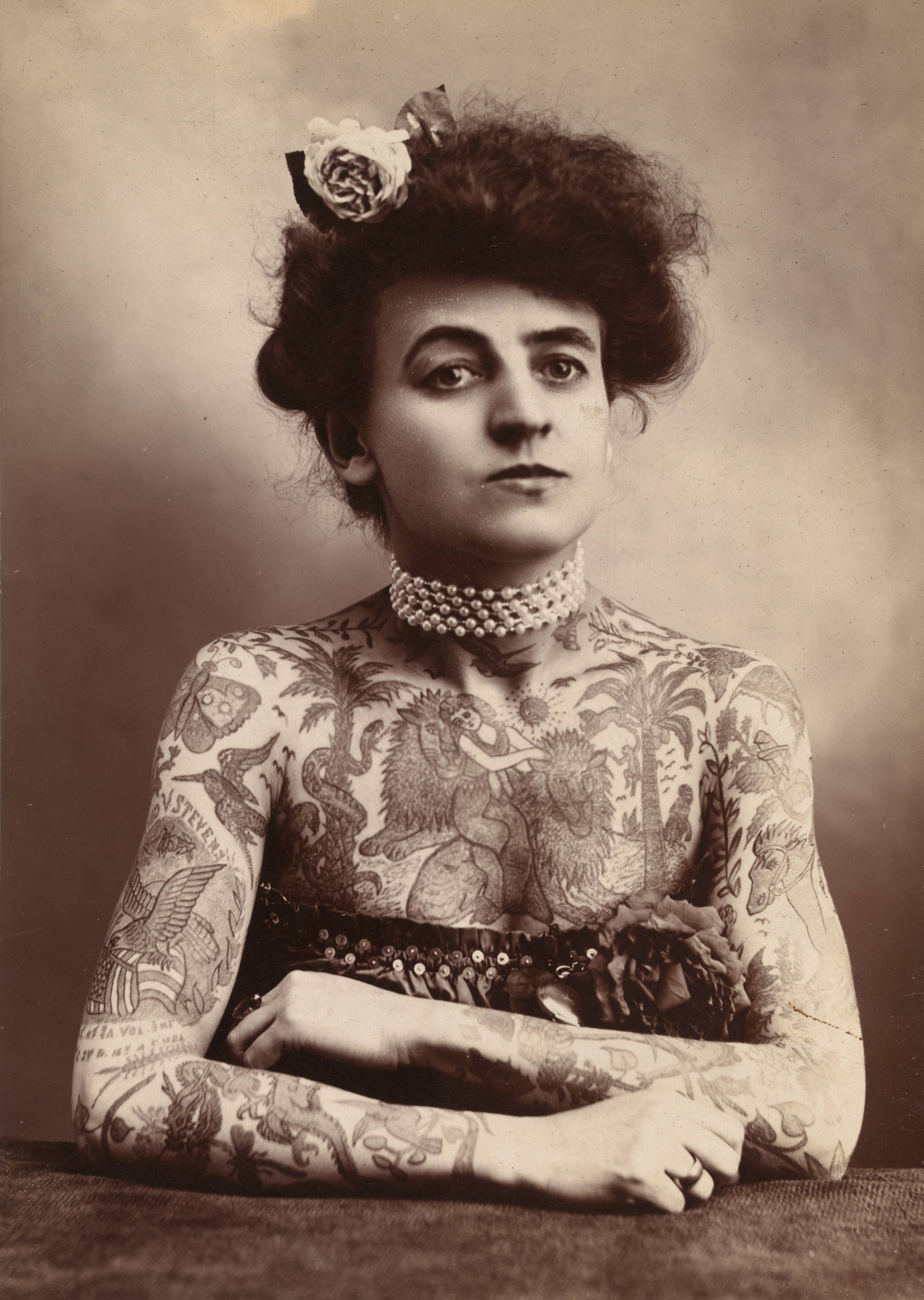 Body_art,_1907
