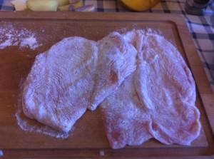 Petto di pollo infarinato