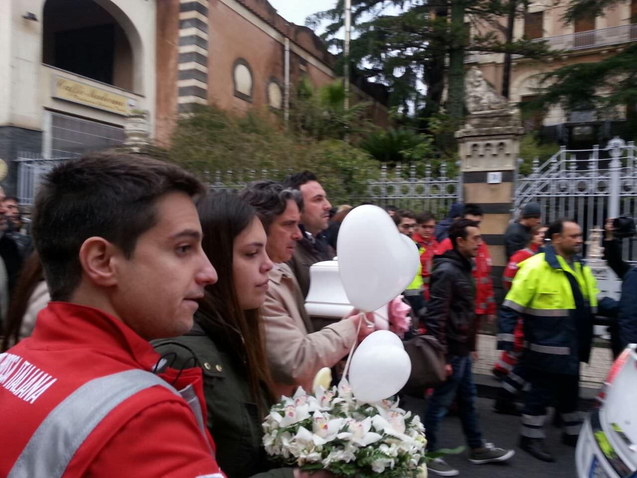 commozione funerali Nicole Di Pietro