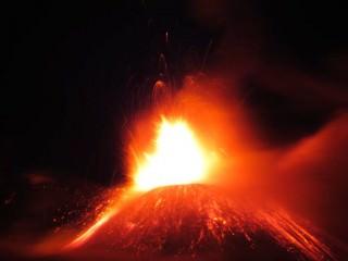 Etna in eruzione, una foto del 28 novembre