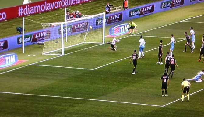 Il gol vittoria della Lazio siglato da Candreva