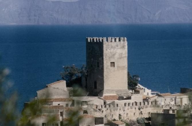 torre di Brolo