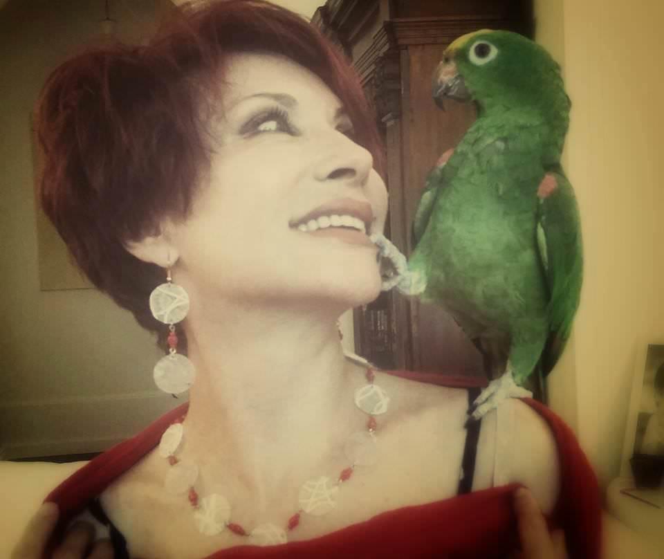 Alda Deusanio indossa Siria Eco Design