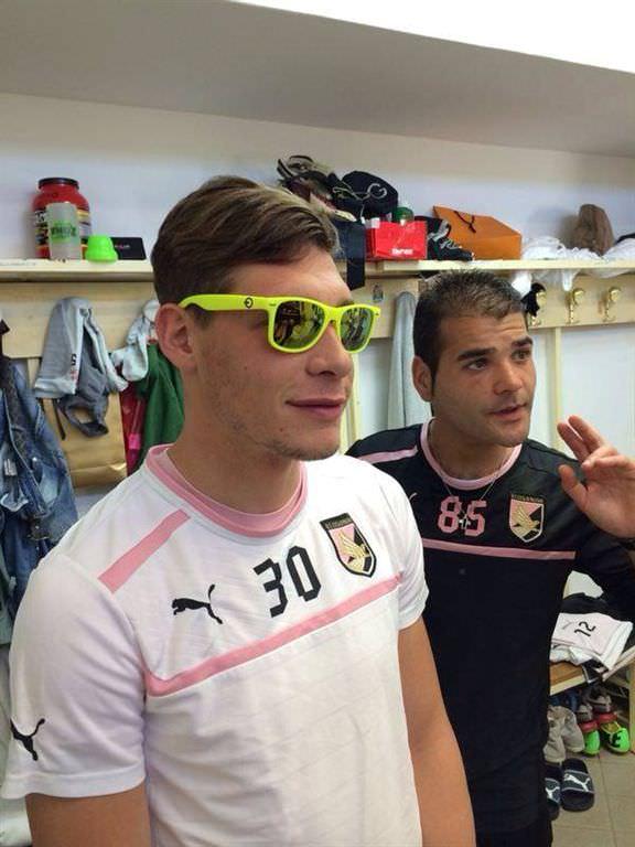 Andrea Belotti del Palermo Calcio indossa occhiali Switchon