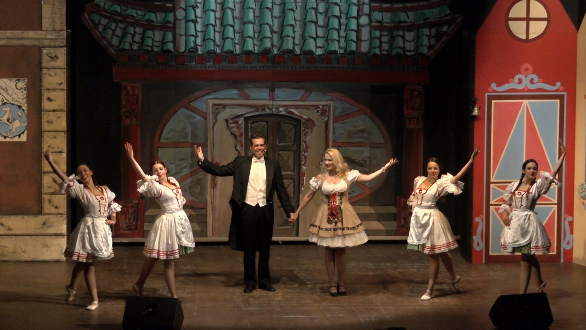 1.Un palco all'operetta