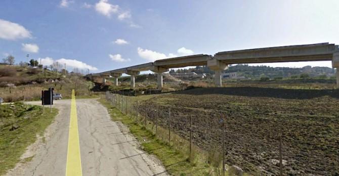 Caltanissetta-Circonvallazione di raccordo -sp-41-e-sp-23. tratta da www.incompiutosiciliano.org