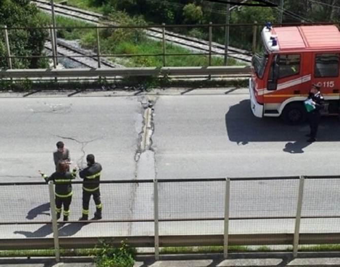 Chiuso-il-viadotto-Imera-i-Vigili-del-fuoco-sul-posto
