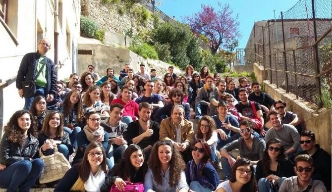 Foto gruppo studenti a Ciminna