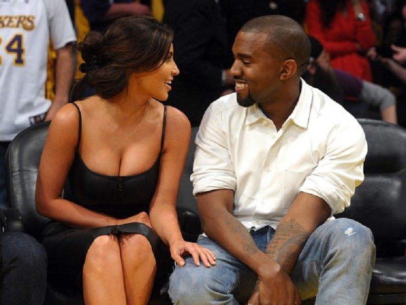 Kim Kardashian a Miami stende tutti: abito nero trasparente con curve mozzafiato
