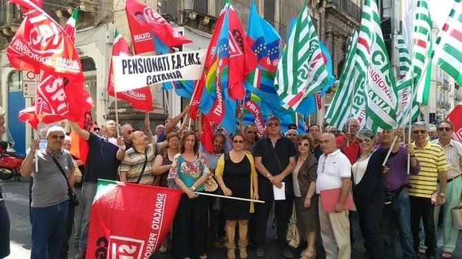 Sit-in_pensionati_12-6-15
