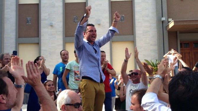 La gioia del neo sindaco di Tremestieri Santi Rando