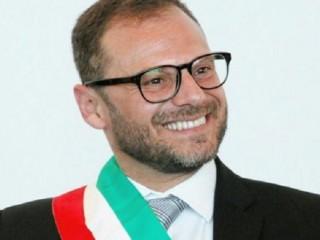1435787697-0-comiso-minacce-di-morte-al-sindaco-spataro-se-muntati-u-palcu-vi-scannu