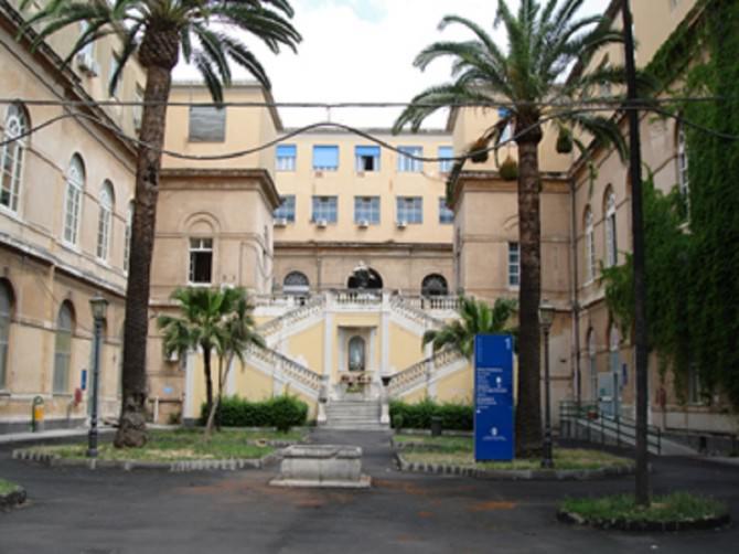 CT Ospedale Vittorio Emanuele II - cortile e scalone interno