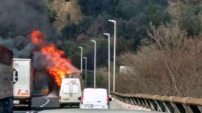 incendio camion autostrada © fulvio fusaro (5)