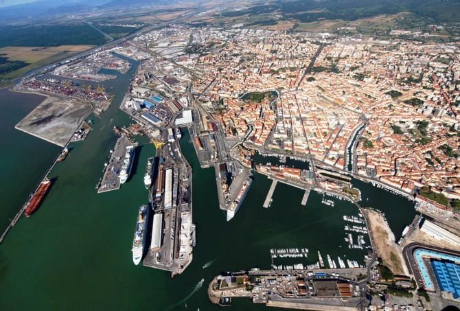 porto di livorno-mini