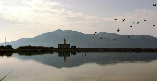 Isola di Salina, laghetti di Lingua