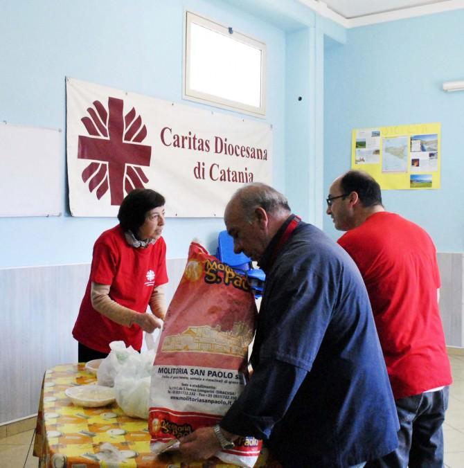 volontari-caritas-2