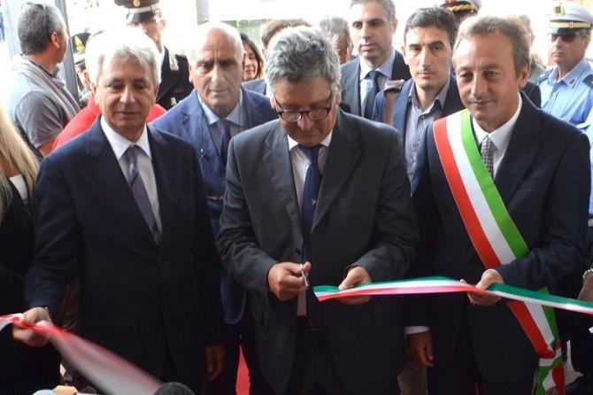 Annunziato Vardè.Domenico Manzione.Giuseppe Nicosia.Inaugurazione Ex Ferrotel.24.09.15