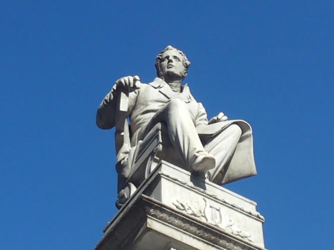 Monumento a Bellini Piazza Stesicoro