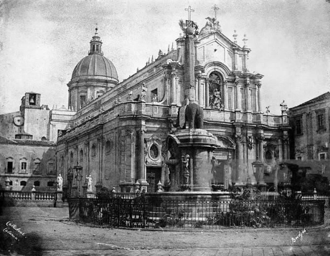 Piazza Duomo, a Catania, nel 1846