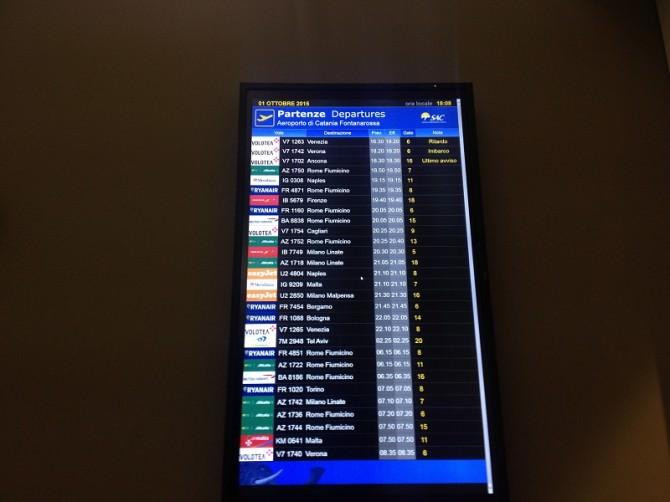 Voli aeroporto aereo partenze arrivi 2